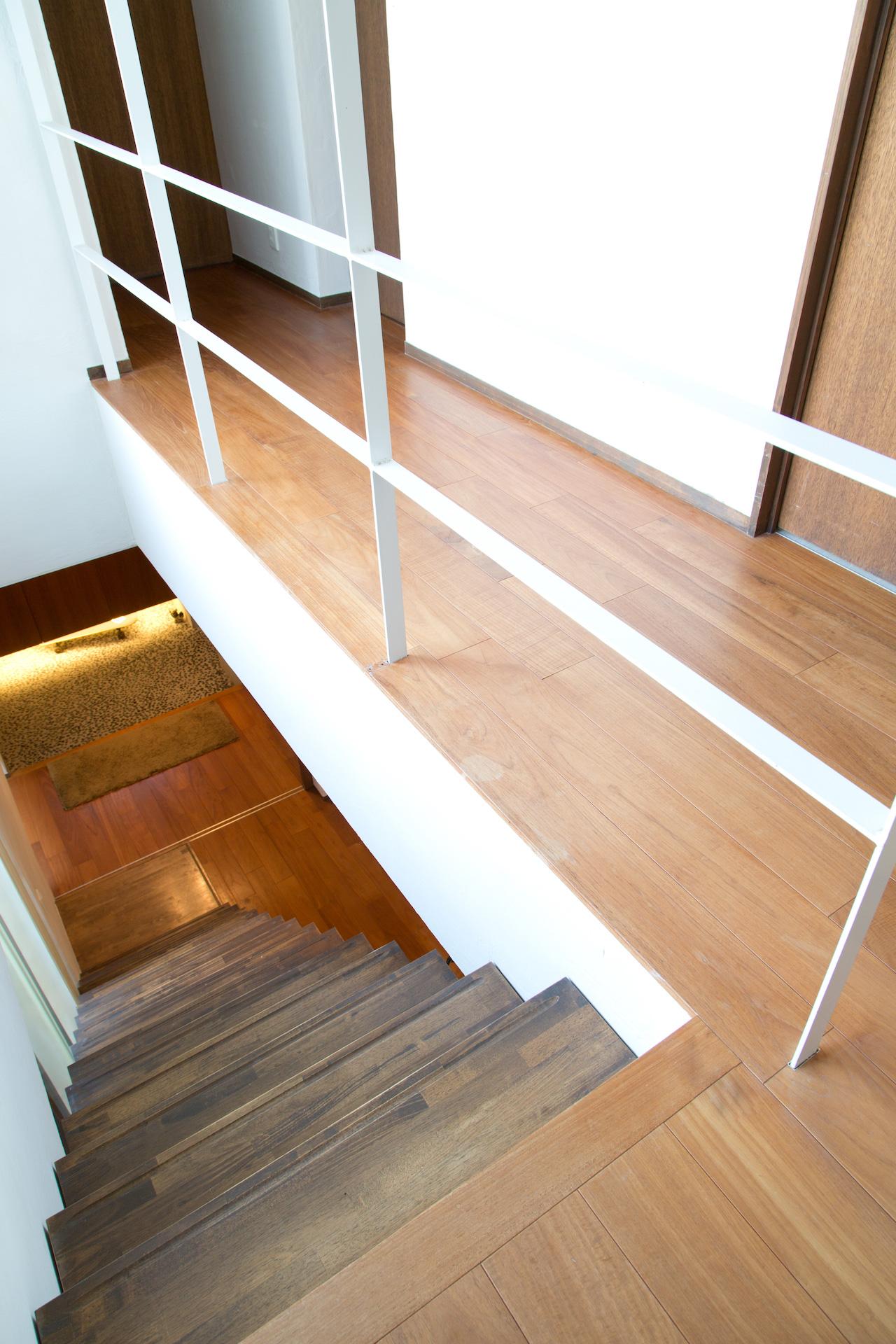 上野工務店,茨木市,建替,新築,階段