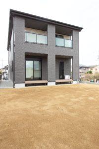 上野工務店,新築,外観,茨木市,自社施工,大きな庭,ドッグラン