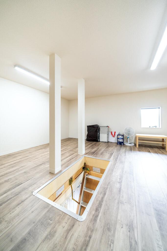 上野工務店,新築,茨木市,自社施工,屋根裏収納